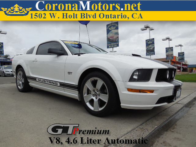 2006 Ford Mustang GT Premium White 4-Wheel Disc Brakes 8 Cylinder Engine AC ABS Adjustable S