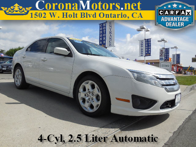 2011 Ford Fusion SE White Suede 4 Cylinder Engine 4-Wheel Disc Brakes AC ABS Adjustable Stee