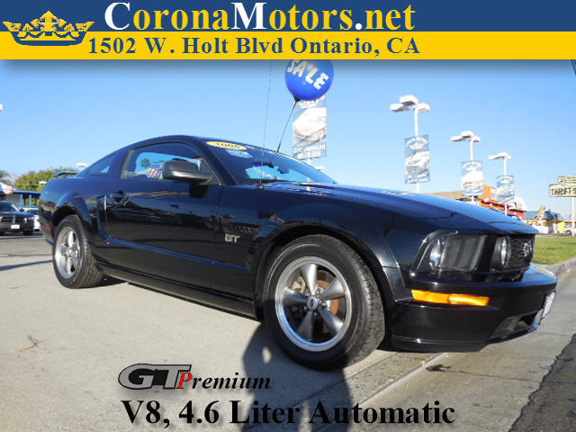 2006 Ford Mustang Premium Black 4-Wheel Disc Brakes 8 Cylinder Engine AC ABS Adjustable Stee