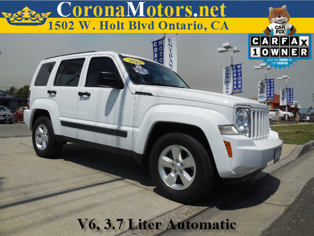 2011 Jeep Liberty Sport Bright White 4-Speed AT 4-Wheel Disc Brakes AC AT ABS Adjustable