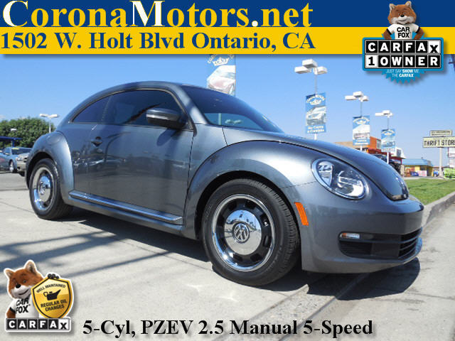 2012 Volkswagen Beetle 25L PZEV Gray 4-Wheel Disc Brakes 5 Cylinder Engine 5-Speed MT AC A