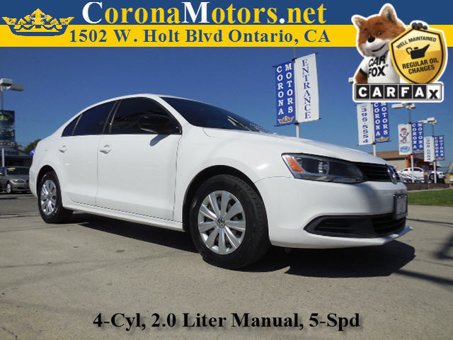 2011 Volkswagen Jetta Sedan S Candy White 4 Cylinder Engine 5-Speed MT AC ABS Adjustable St