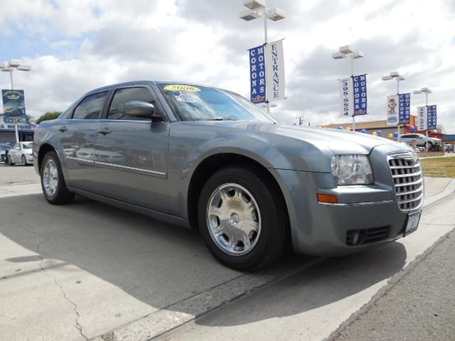 2006 Chrysler 300 Touring Silver Steel Metallic 4-Wheel Disc Brakes AC AT ABS Adjustable St