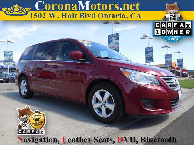 2011 Volkswagen Routan SE Burgundy 3rd Row Seat 4-Wheel Disc Brakes 6-Speed AT AC AT ABS