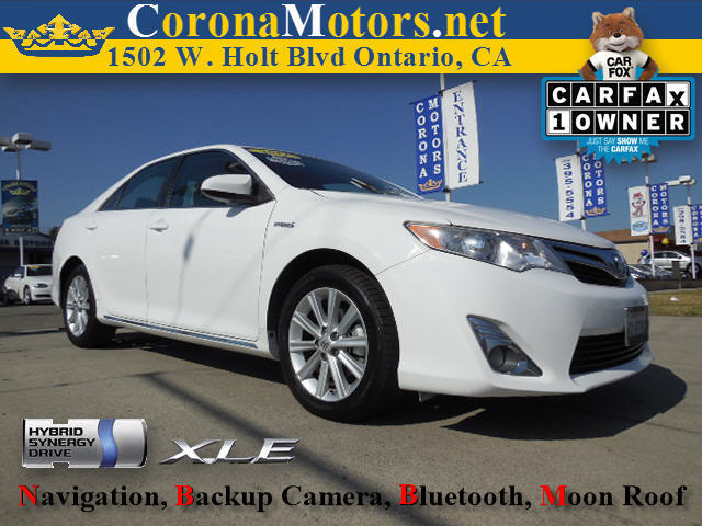 2012 Toyota Camry Hybrid XLE Super White 4 Cylinder Engine 4-Wheel Disc Brakes AC AT ABS A