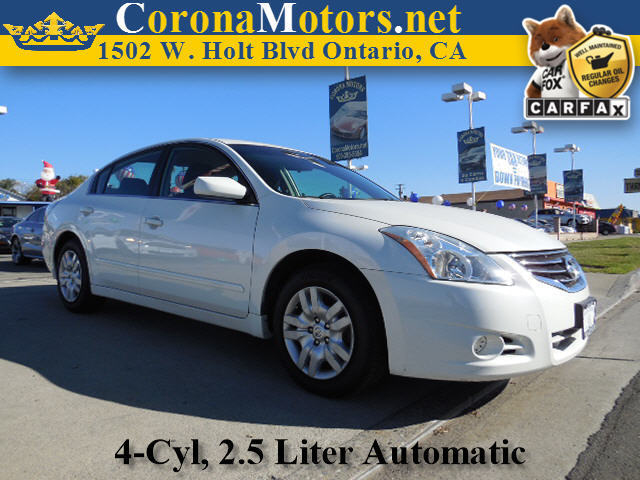 2012 Nissan Altima 25 White 4 Cylinder Engine 4-Wheel Disc Brakes AC AT ABS Adjustable St